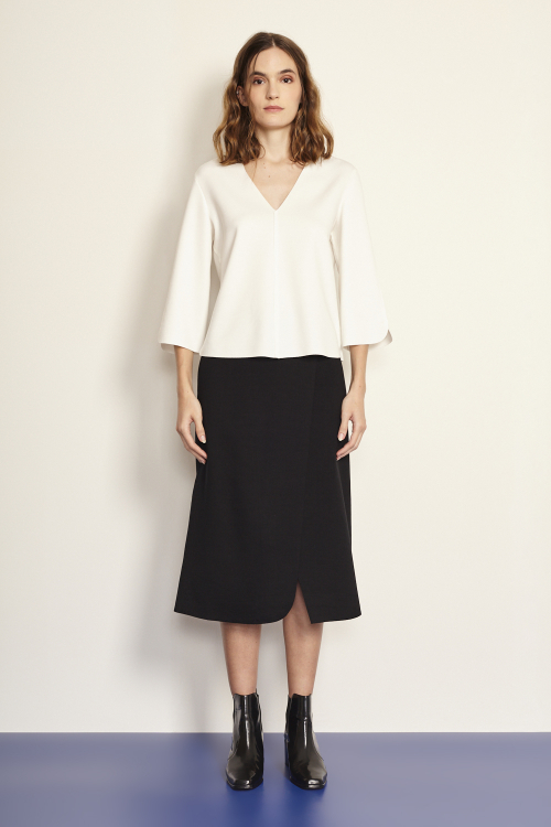 blusa malha duplo leve decote v