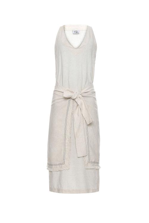 vestido linho barra assimétrica