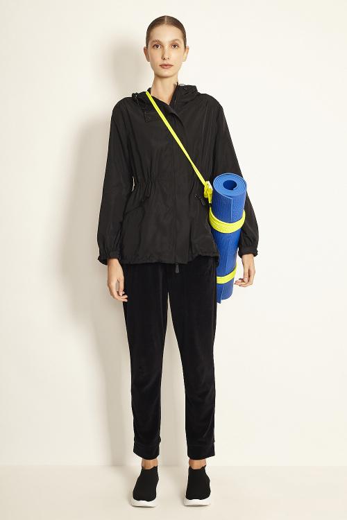 jaqueta nylon com capuz