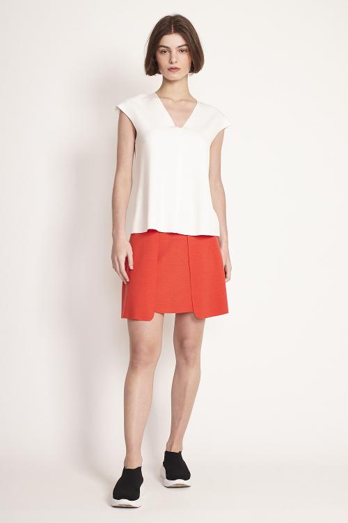 blusa malha dupla leve a fio decote v